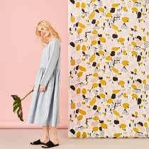 芬蘭Kauniste棉麻布料 / 橄欖綠果香樂園 (1單位:50cm)